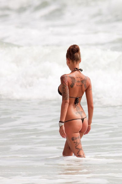 Girls with Gun Tats Are Crazy Hot