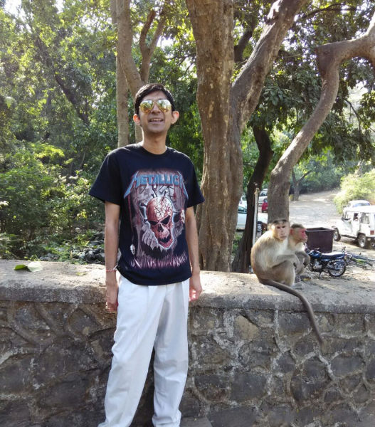 Monkeys Make One Guy's Photo Truly Memorable