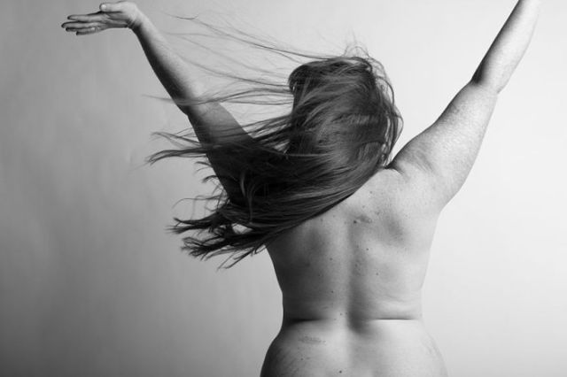 A Beautiful and Realistic Photo Story of Real Women's Bodies after Childbirth