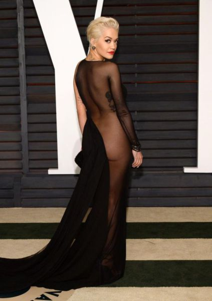 Gorgeous Stars Who Showed a Little Skin at the Oscars