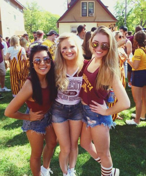These Sexy College Girls Are All the Motivation You Need to Keep on Studying