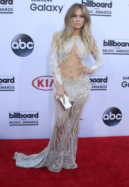 Jennifer Lopez Is Still Breathtakingly Beautiful with a Body to Die for