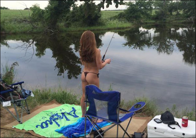 Girls Who Look This Good Fishing Are Definitely Marriage Material