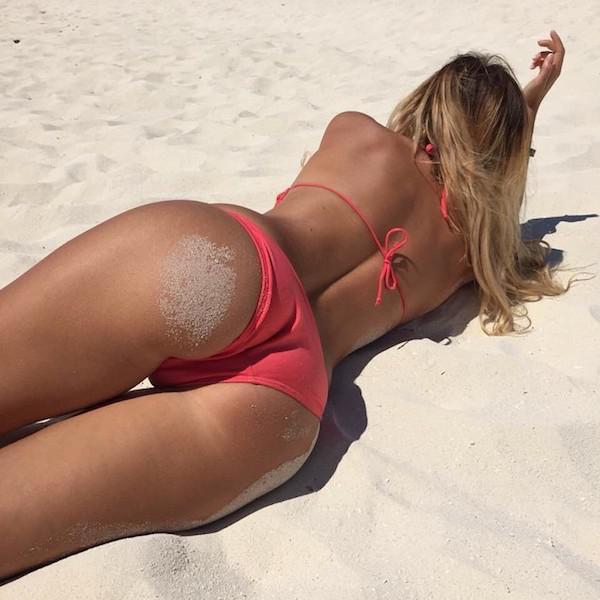 These Sexy Sandy Girls Make Summer So Much Better