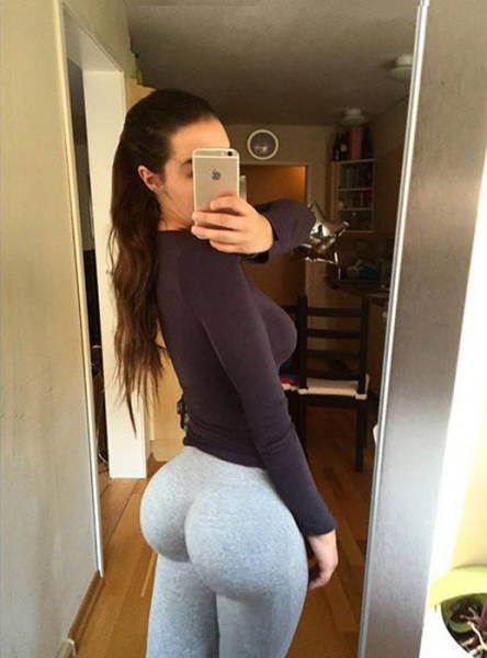 This Swedish Beauty Has 687k Instagram Followers Thanks to Her Ass
