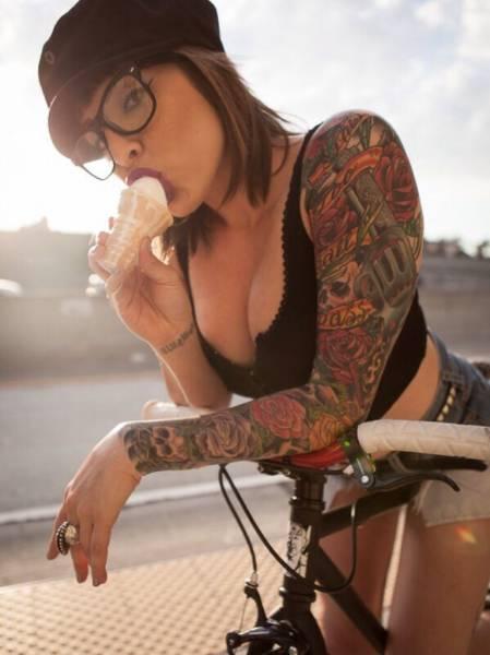 Hot and Hardcore Tattooed Girls