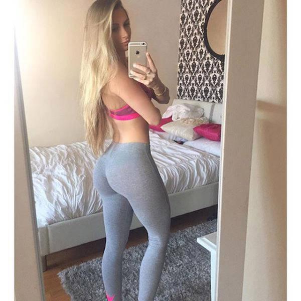 Girls Look Yummier in Yoga Pants