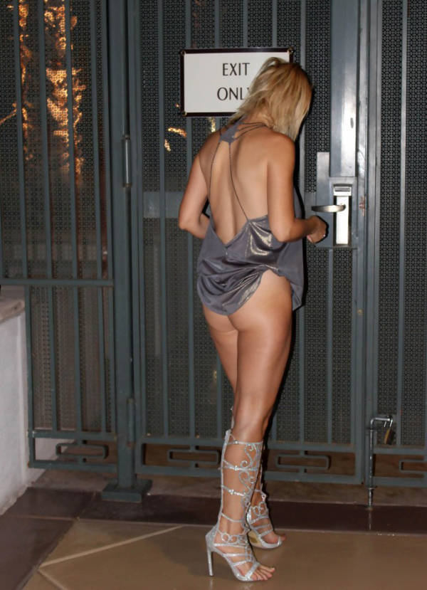 """Russia's """"Lady Gaga"""" Shows Off for the Paparazzi"""