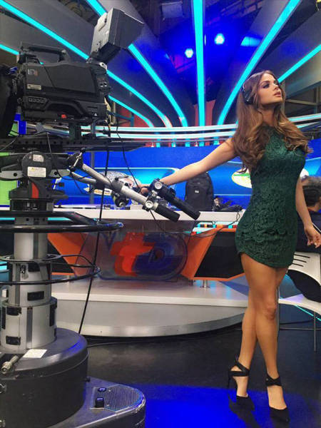 This Gorgeous Mexican News Reporter Has Model Good Look