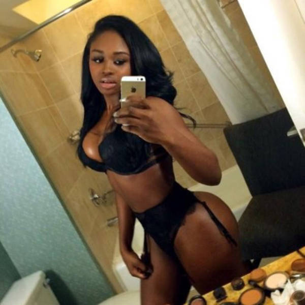 These Black Hotties Are a Treat for the Eyes