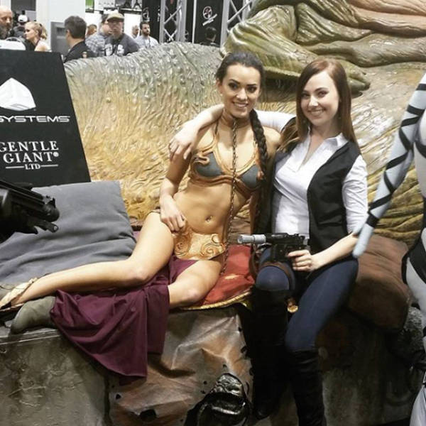 This Girl Is Definitely the Hottest New Cosplayer on the Scene at the Moment