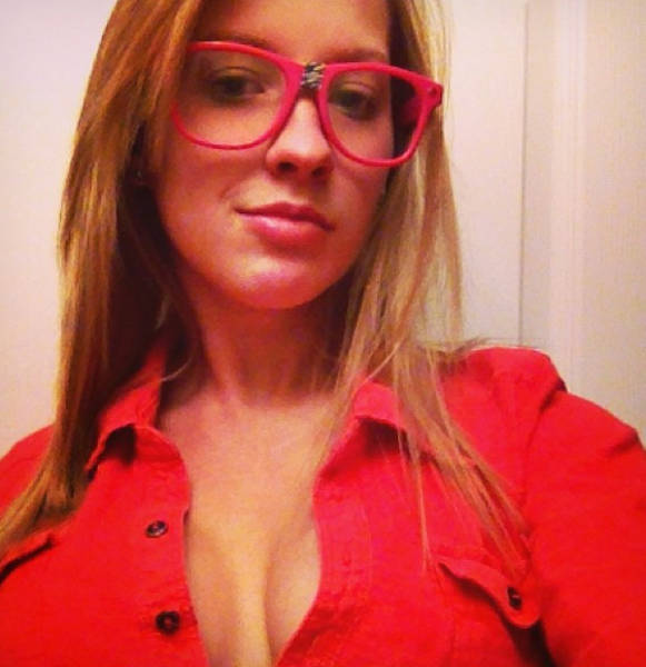 Teacher Defends Her Racy Modelling Career When Anonymous Person Sends Her School Old Pics