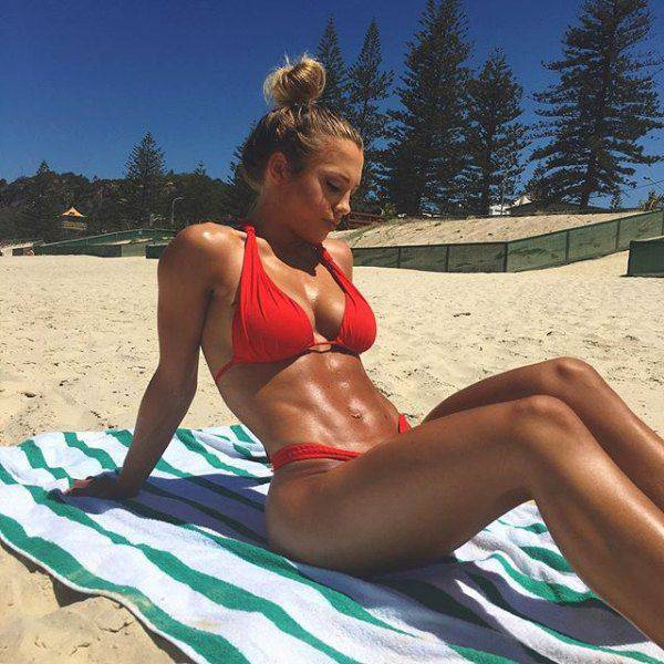 Strong Sporty Girls Show That Fit Is Really Sexy