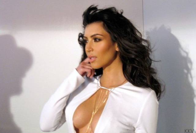 This Is Why Kim Kardashian's Boobs Always Look Perfect