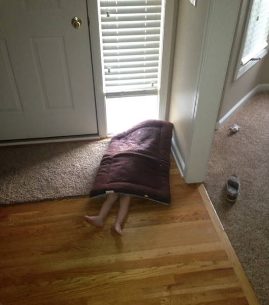 Kids That Totally Suck At Hide And Seek