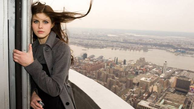 Alexandra Daddario Is One Of The Sexiest And The Most Beautiful American Actresses