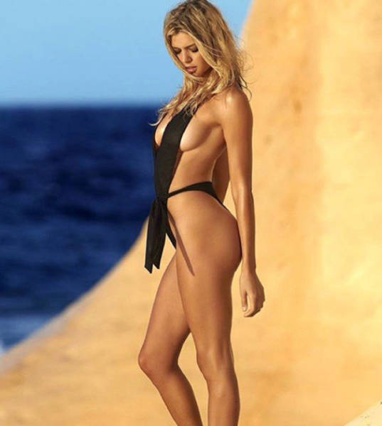 Kelly Rohrbach Is Like A New Baywatch