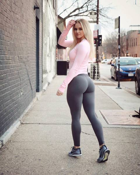 Every Guy Would Love Her To Be His Girlfriend, Every Girl Would Love To Have Her Dream Body