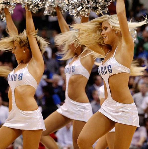 Cheerleaders From East vs Cheerleaders From West