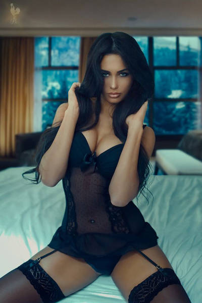 Hot Ladies in Even Hotter Lingerie