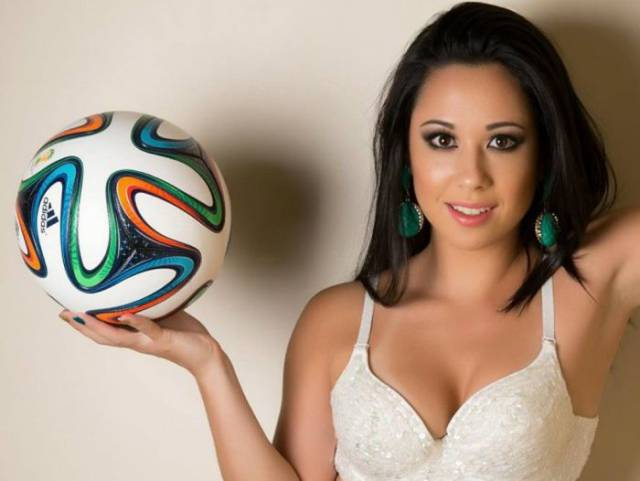 Brazilian Girl Raquel Benetti – The Queen of Freestyle Football
