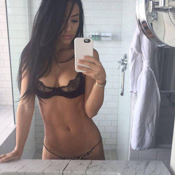 Sexy Snapchat Chicks Definitely Worth Checking Out