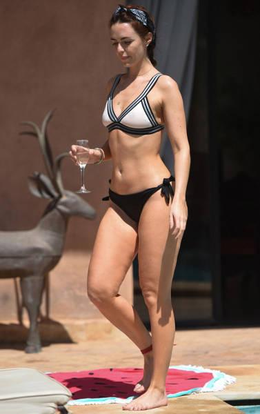 "Jennifer Metcalfe's Bum Won ""Rear Of The Year"" Award"