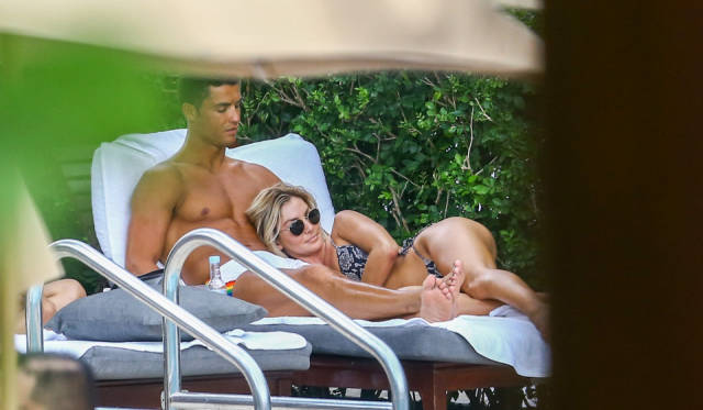 Cristiano Ronaldo Having A Good Time With His Hot Fitness Model
