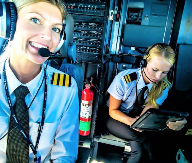 Hot Blonde Maria Pettersson Sharing Photos Of Her Life As A Boeing Pilot