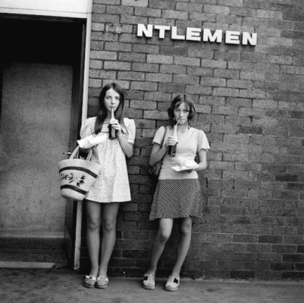 Hot Women From 70s Sure Had Some Style