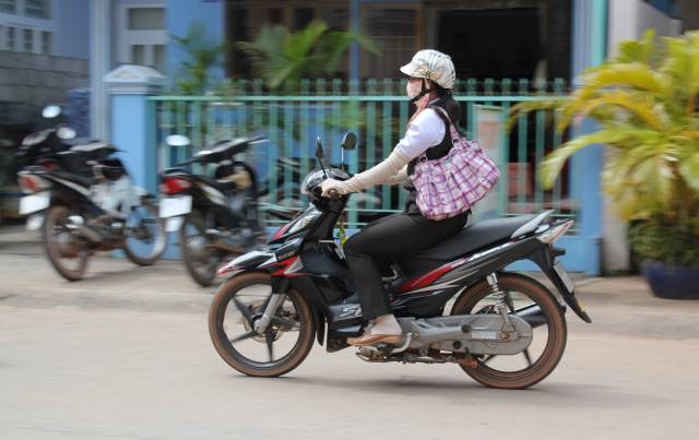 Vietnamese Women Are Obsessed With White Skin