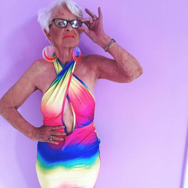 The Most Kick-Ass Granny Strikes Again