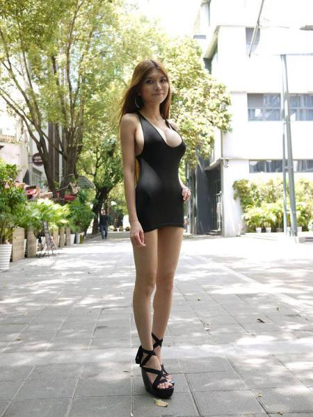 SexyCyborg Is A Tech Savvy Stunner From China
