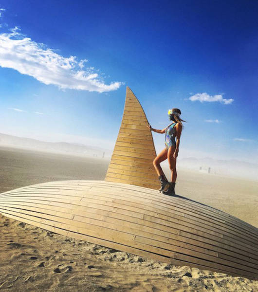 You Can Meet Some Stunning And Compelling Girls At Burning Man Festival