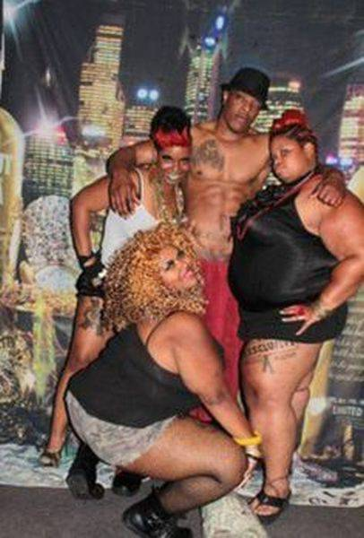 Ghetto Glamor Shots That Are Incredibly Ridiculous
