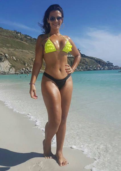 """After Losing 45 Kg, This Woman Still """"Feels"""" That She Is Overweight"""