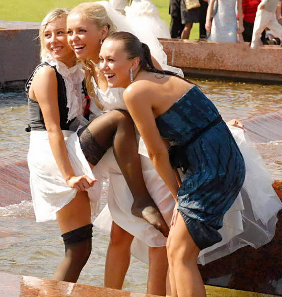 How Bridesmaid Stole The Spotlight At The Wedding