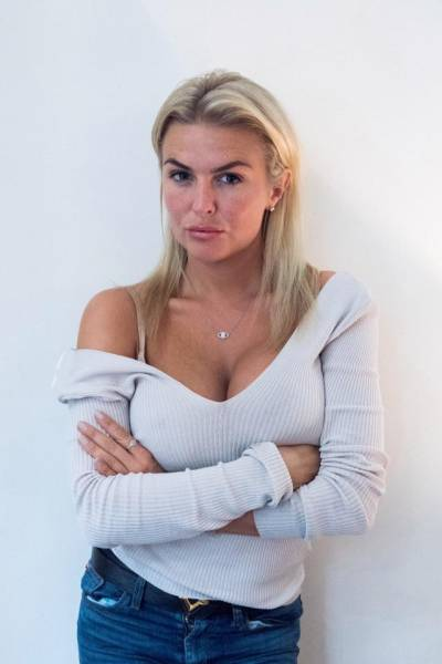 Lady Lives Off Sugar Daddies And Never Wants To Change Her Lifestyle
