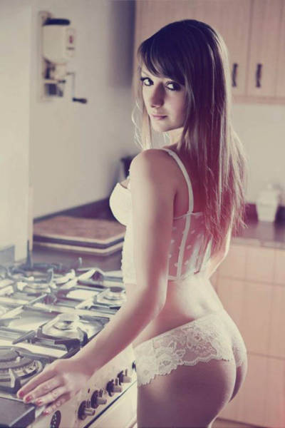 Girls In The Kitchen Should Always Look Like This