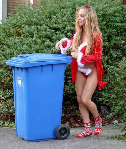 Reality TV Starlet Danielle Mason Flashed Her Ass While Taking Out The Trash